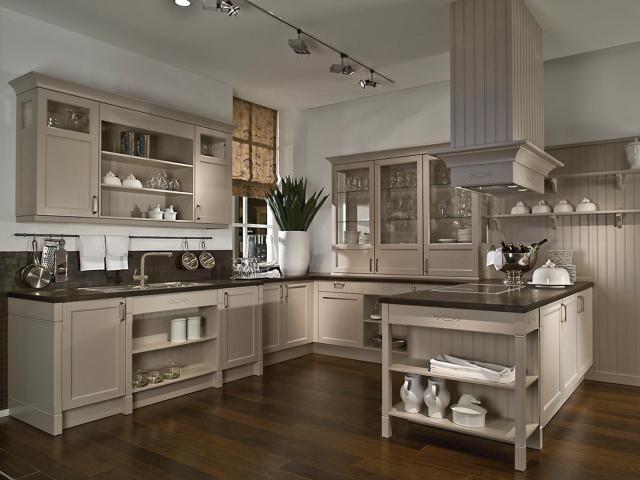 cuisine cottage grise sur mesure meubles de cuisines cuisines inspiration authentique caseo. Black Bedroom Furniture Sets. Home Design Ideas