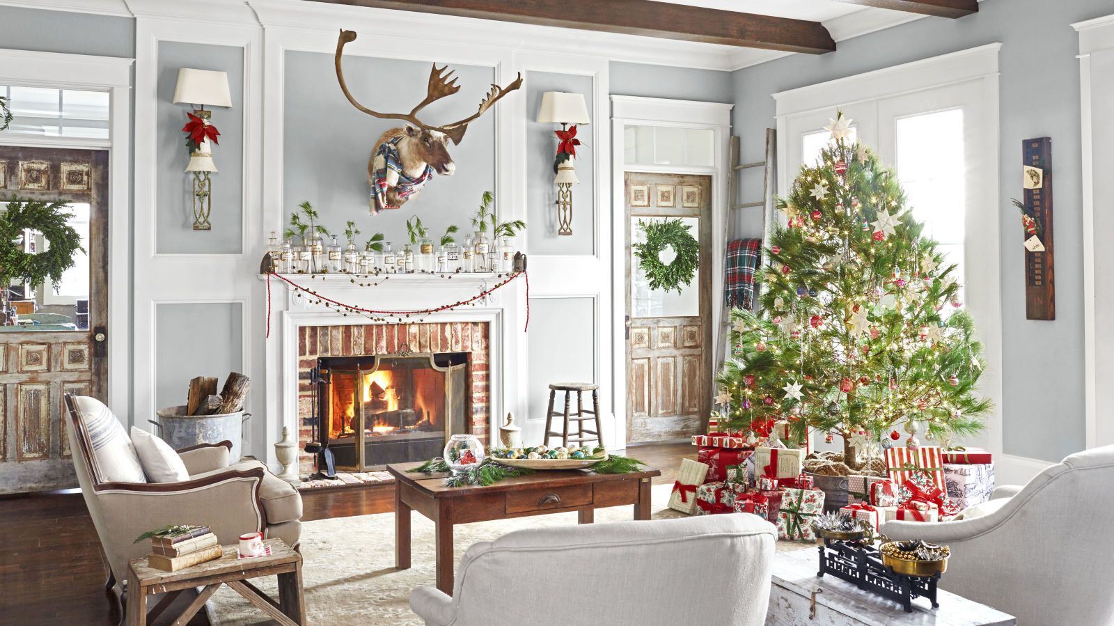 Inside A Tennessee Christmas Home Decked Out With Vintage Decor
