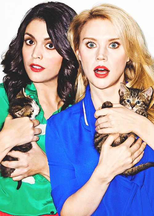 Cecily Strong, Kate Mckinnon. Love these hilarious, smart women. The new Tina and Amy...