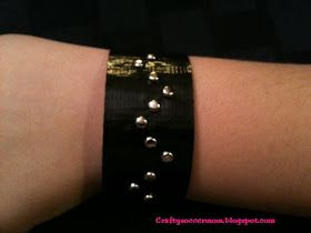 Crafty Soccer Mom: Duct Tape Stud Bracelet