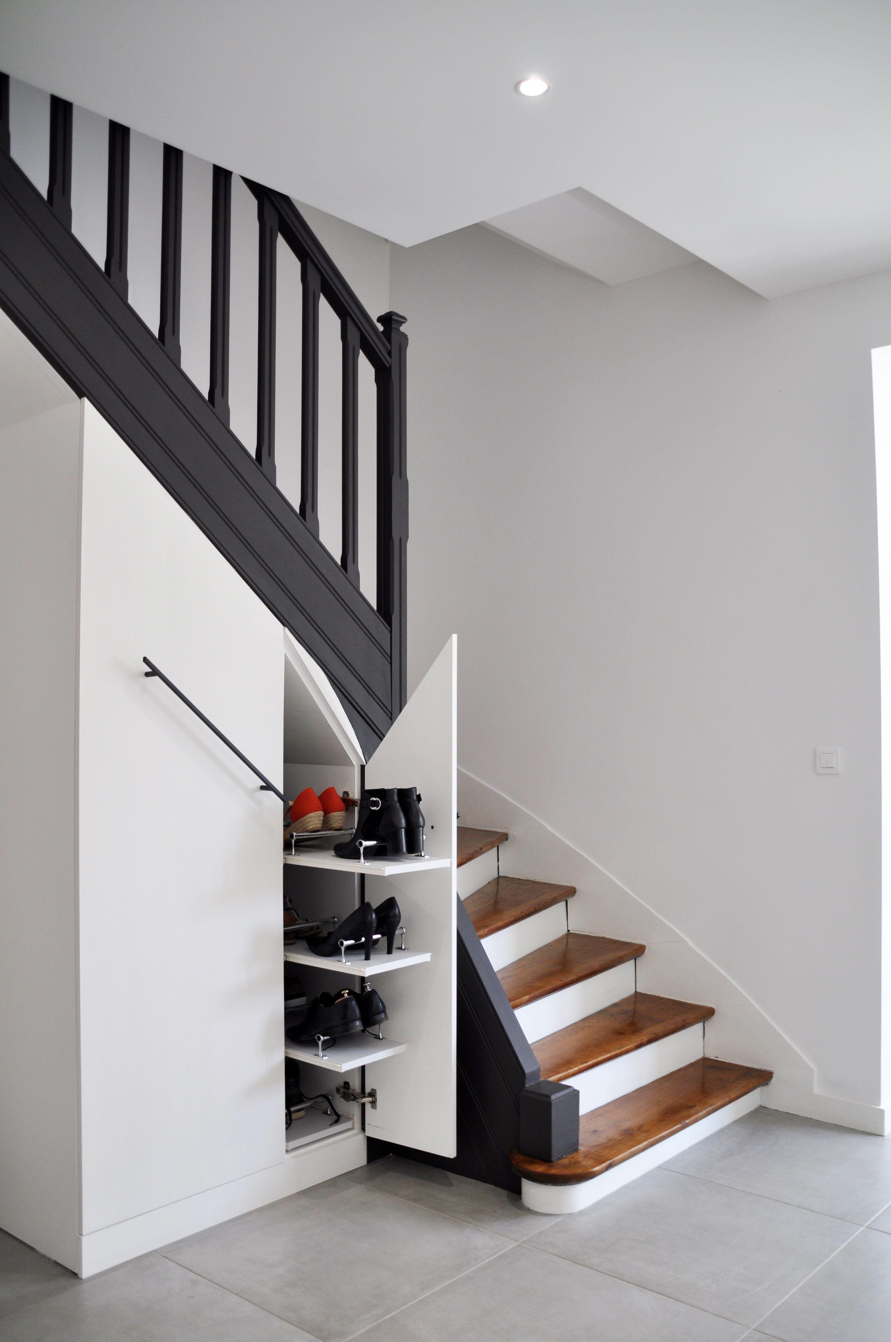 Rangements Sous Escalier Sur Mesure Creation D Un Rangement Penderie Chaussures Le Tout Coulissant Rangement Sous Escalier Meuble Sous Escalier Sous Escalier
