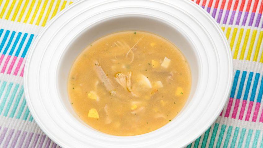 Receta De Sopa De Pollo Con Estrellitas Karlos Arguiñano Receta Sopa De Pollo Recetas De Sopa De Pollo Recetas De Sopa