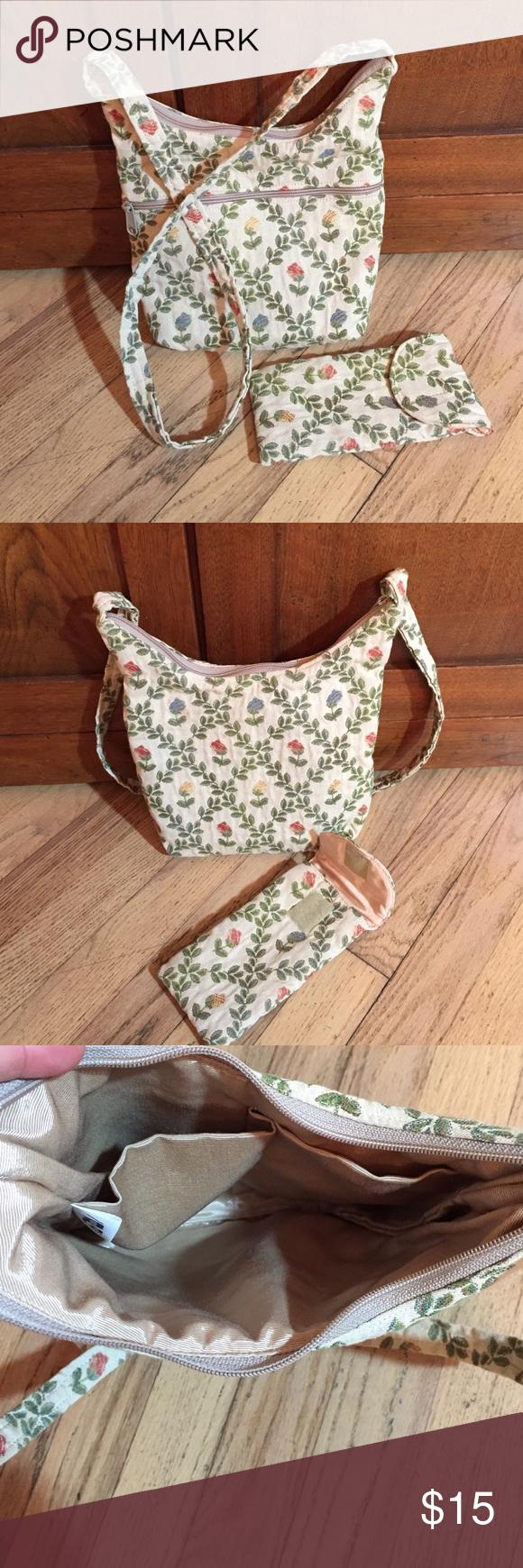"Vintage floral shoulder bag and eyeglass case Fully lined bag is 10""x9"" with 17"" strap drop. Eyeglass case is 7.5""x 3.5"". Cotton. à la main Bags Shoulder Bags"