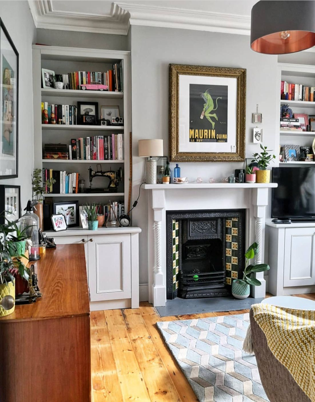 Cozy Living Room Living Room With Fireplace Victorian Living Room Cozy Living Rooms