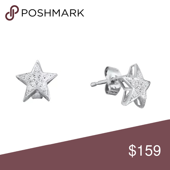 10k White Gold 💎  ⭐️ Stud Earrings 1/20 Cttw 10k White Gold Round Natural Diamond Womens Small Star Screwback Stud Fine Earrings 1/20 Cttw  Product Specification Gold Purity & Color10kt White Gold Diamond Carat1/20 Ct.t.w. Diamond Clarity / ColorI2-I3 / J-K Length5 mm ( .2 inches ) Width5 mm ( .2 inches ) Gram Weight.71 grams (approx.) StyleStuds Item NumberLarimaro-50106 Jewelry Earrings