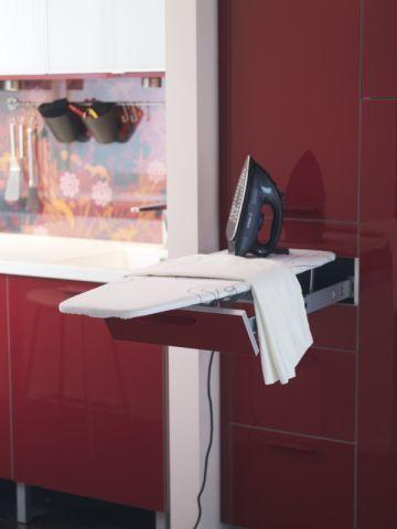 cuisine 12 astuces pour gagner de la place repasser ikea et rangement. Black Bedroom Furniture Sets. Home Design Ideas