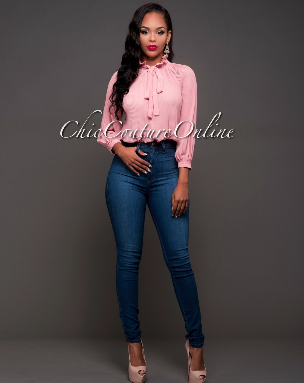 perfect dusty pink jeans outfit 9