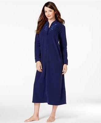 Zip petite robe amateur handjob