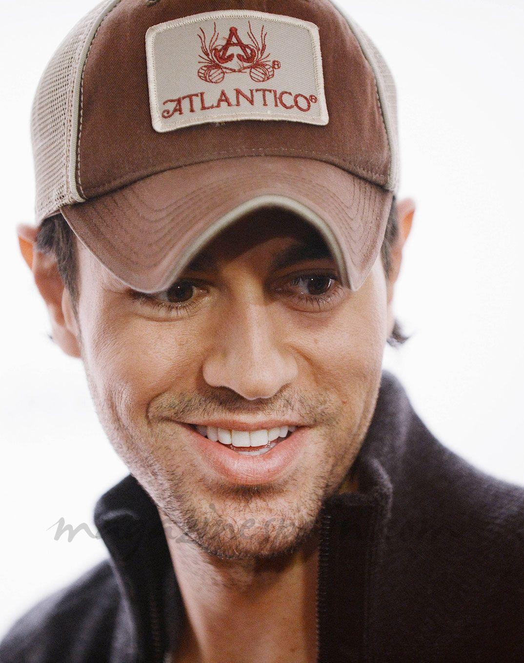 Enrique Iglesias with his Atlantico hat and beautiful smile aea4ffb872c