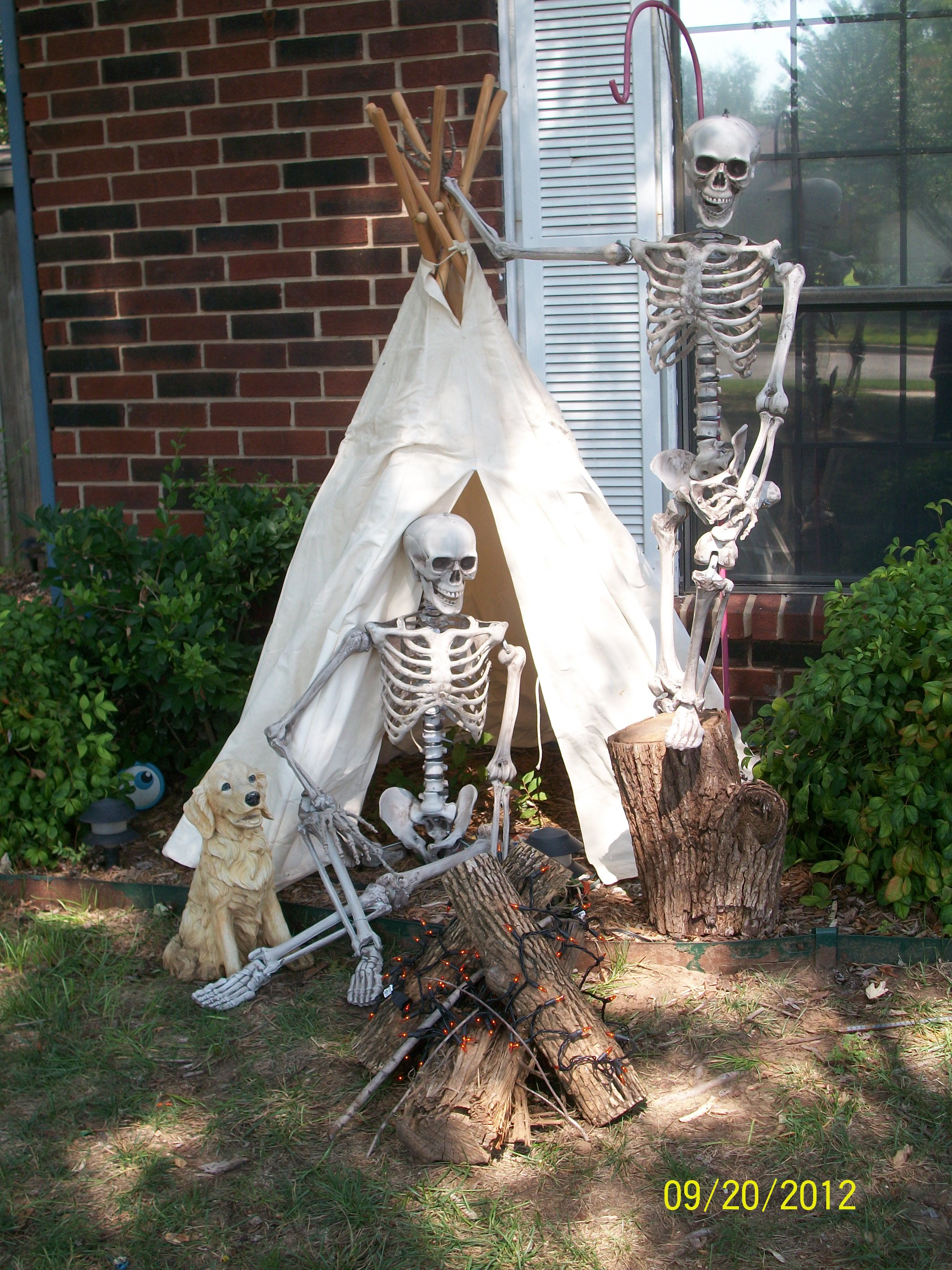 Skeleton campground Halloween Theme ideas Western, Camping, Sports - Halloween Yard Decorations Ideas