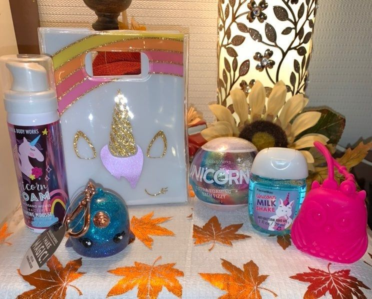 New Bath And Body Works Super Cute Vinyl Unicorn Bag With Some