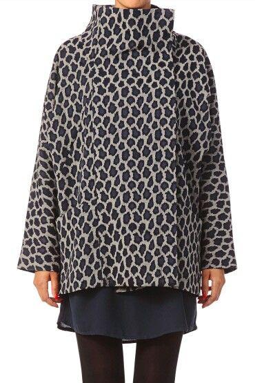 Abrigo animal print #nafnaf #compras #tiendaonline #fashion #sales #moda #shopping #ropa www.imanmoda.com