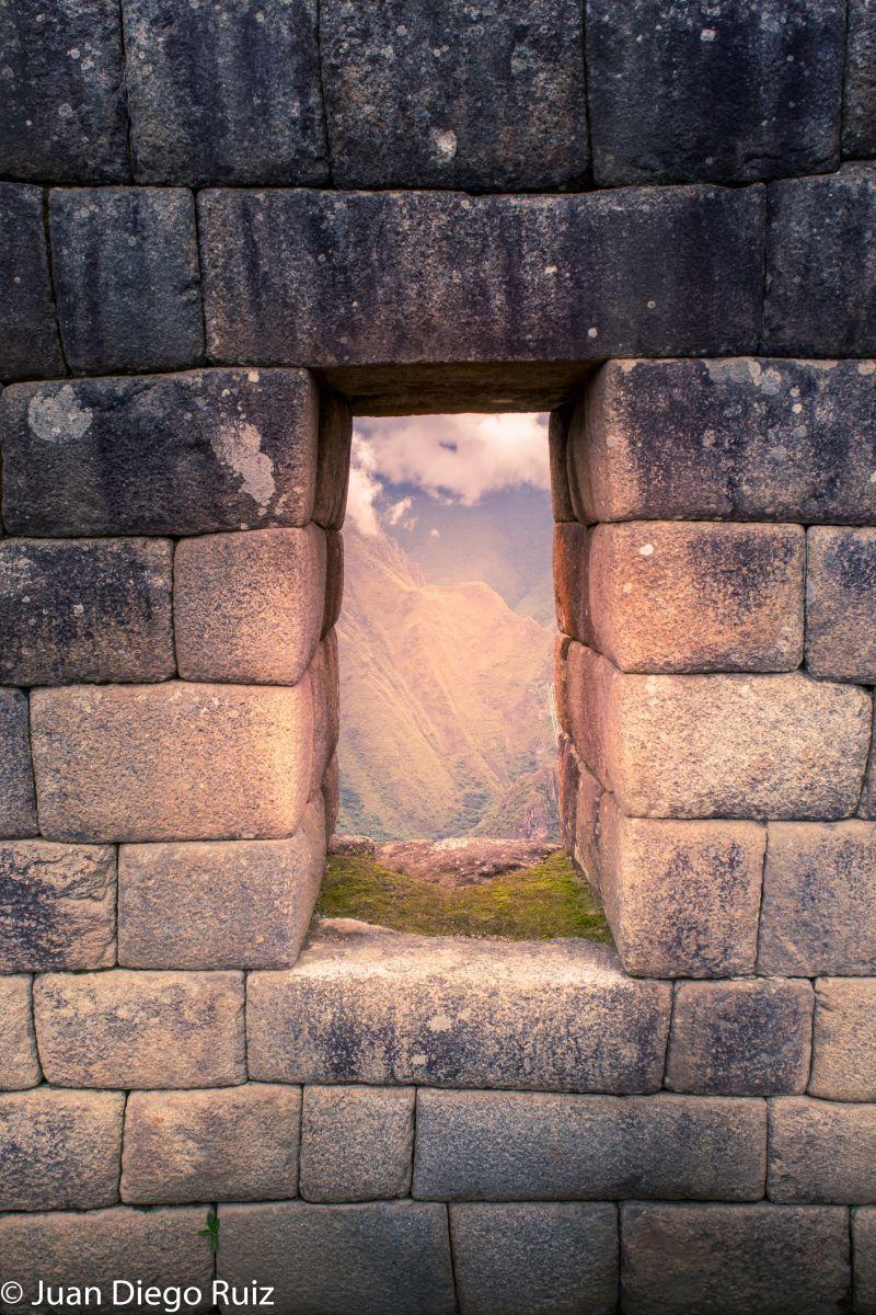 Participación en el concurso Photo Puertas y Ventanas; Intimachay, Machu Picchu, Peru, Dec.2016