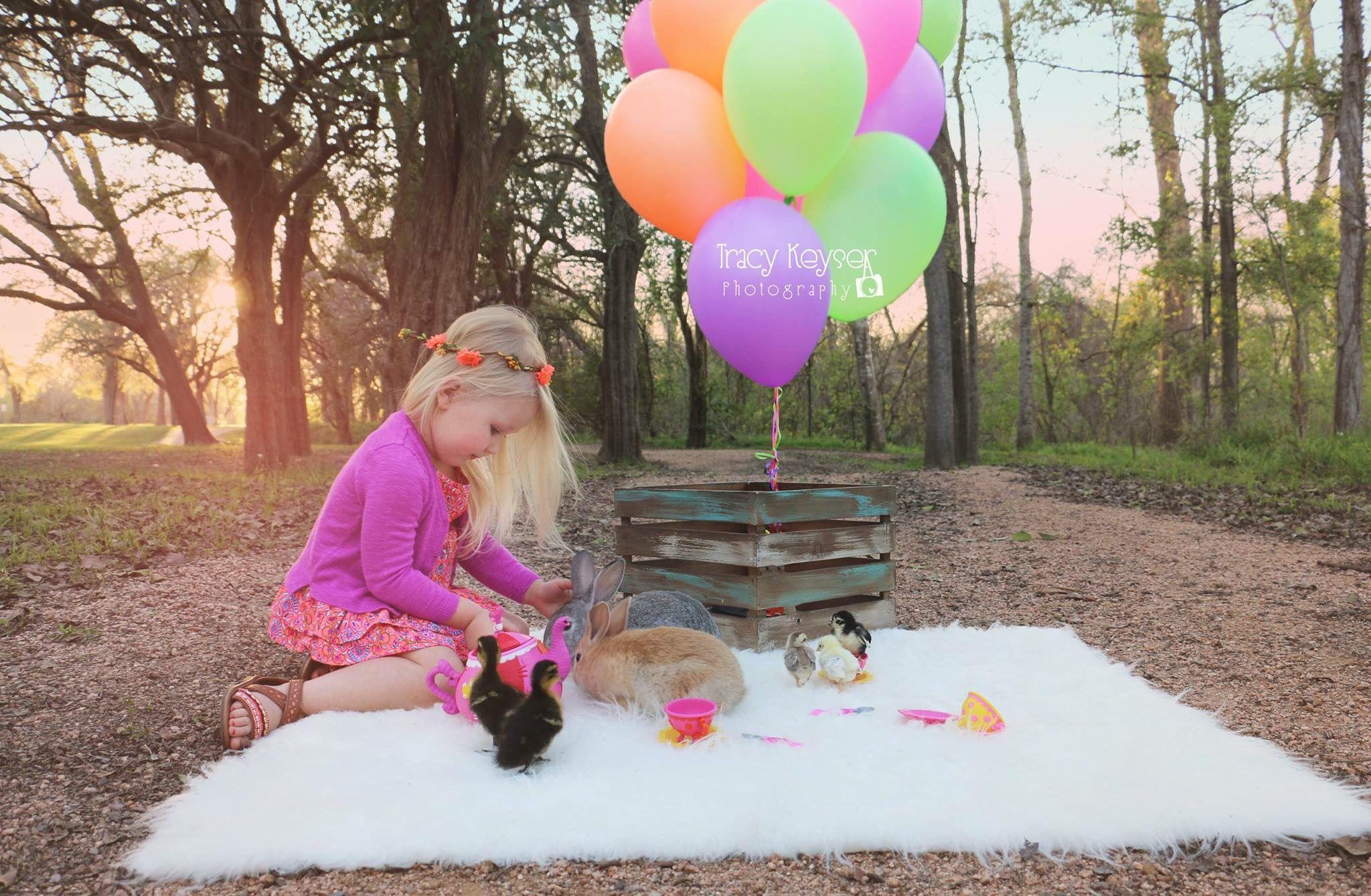 Children Easter bunnies balloons
