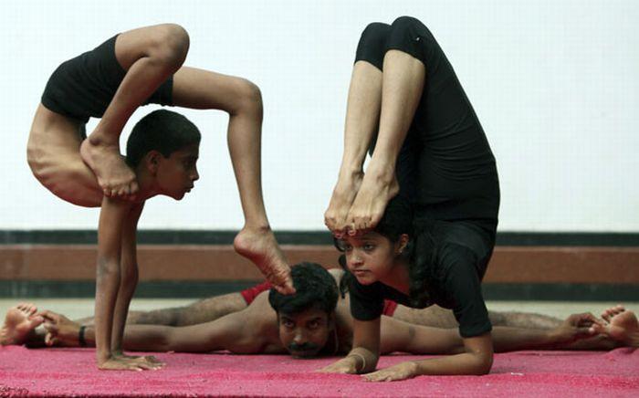 Extreme Yoga Positions 46 Pics