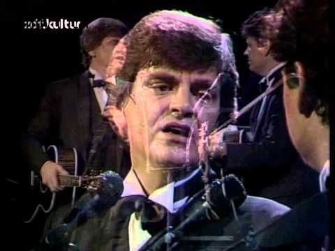 Today In The Everly Brothers Record What Will Be Another Hit For Them Let It Me Here Are Phil And Don Singing Song 1983 At Their