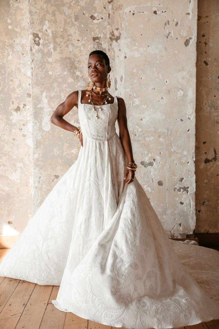 Boho Brautkleid für die Vintage Hochzeit in 17  Brautkleid