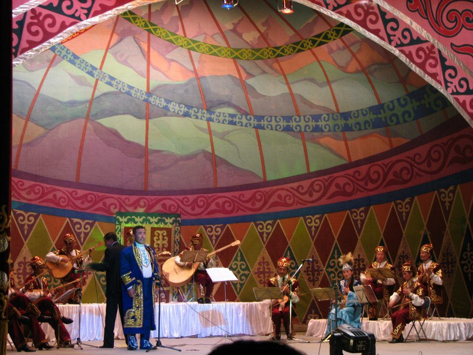 AUTUMN EAGLE FESTIVAL - Khazakh Nation is proud to show their Dombra Performance. http://www.goyotravel.com/culture.html