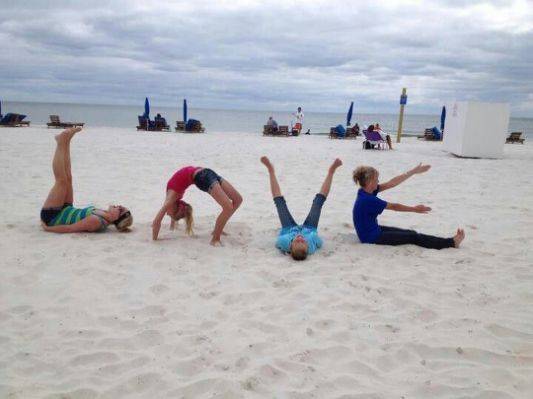 Best 25+ Family Beach Pictures #BestBeachPicturesKids
