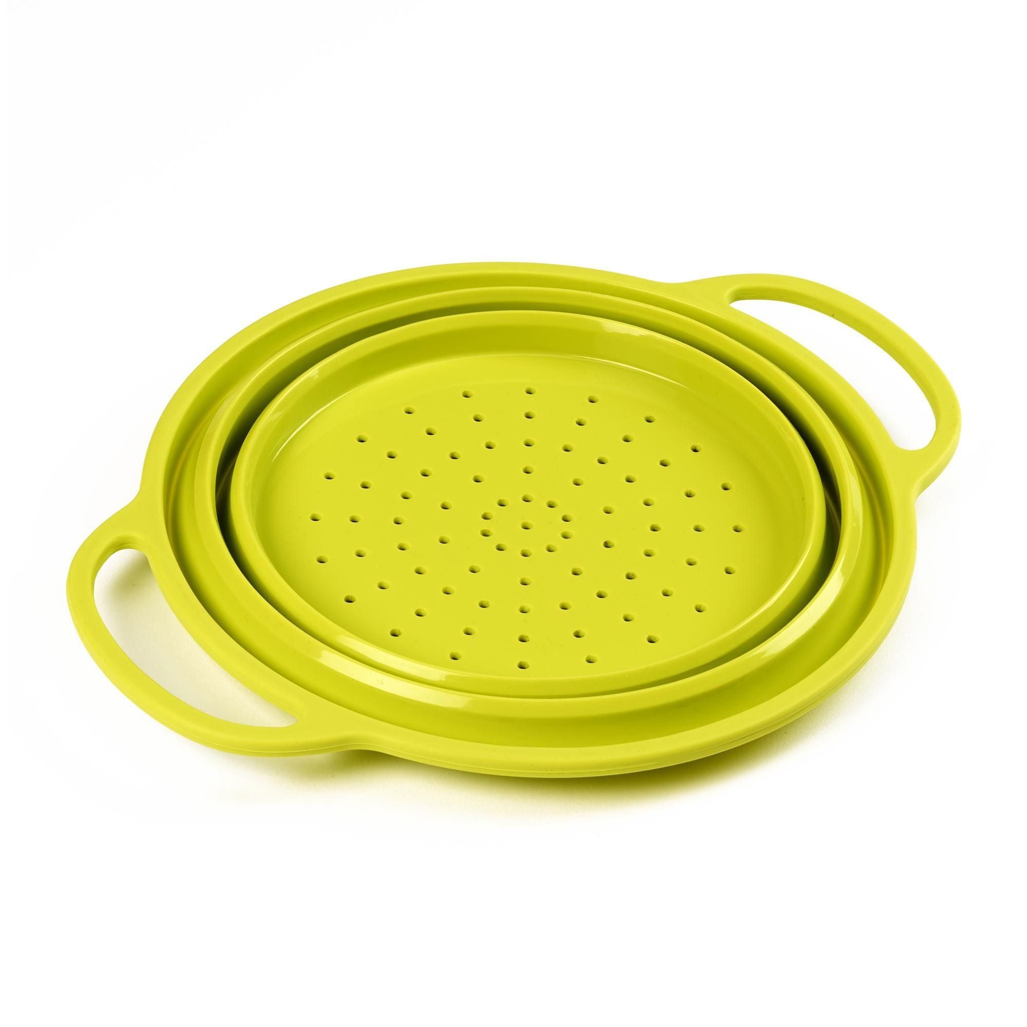 Made from silicone with a practical non-stick surface, this collapsible colander by Handy Kitchen features internally reinforced rim and handles for added stability. Dishwasher safe for ease of cleaning, this colander has been finished in a bright lime green colour.
