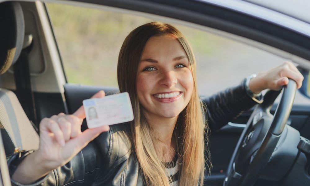 33 smart driving tips for new drivers new drivers