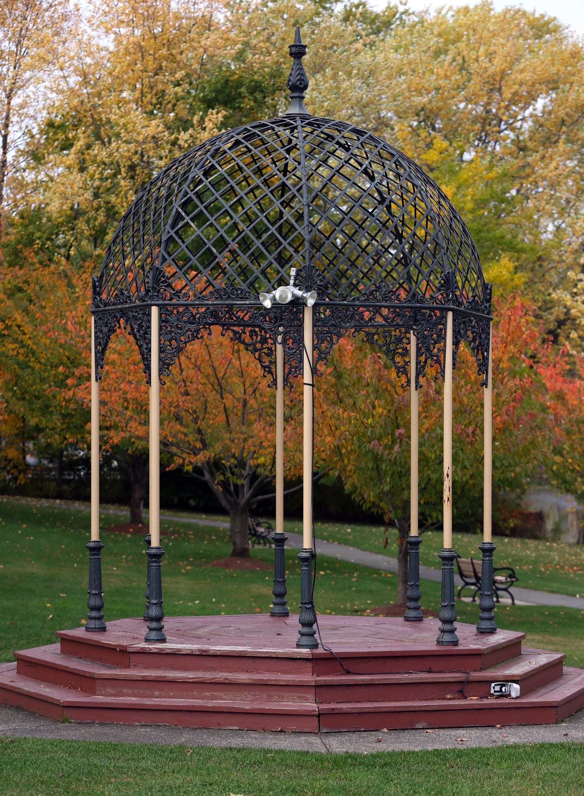 Https://www.bostonglobe.com/lifestyle/real Estate/2014/11/08/what Like Live  Melrose/PlCloyFOZfaom1kWyj1nNL/story.html
