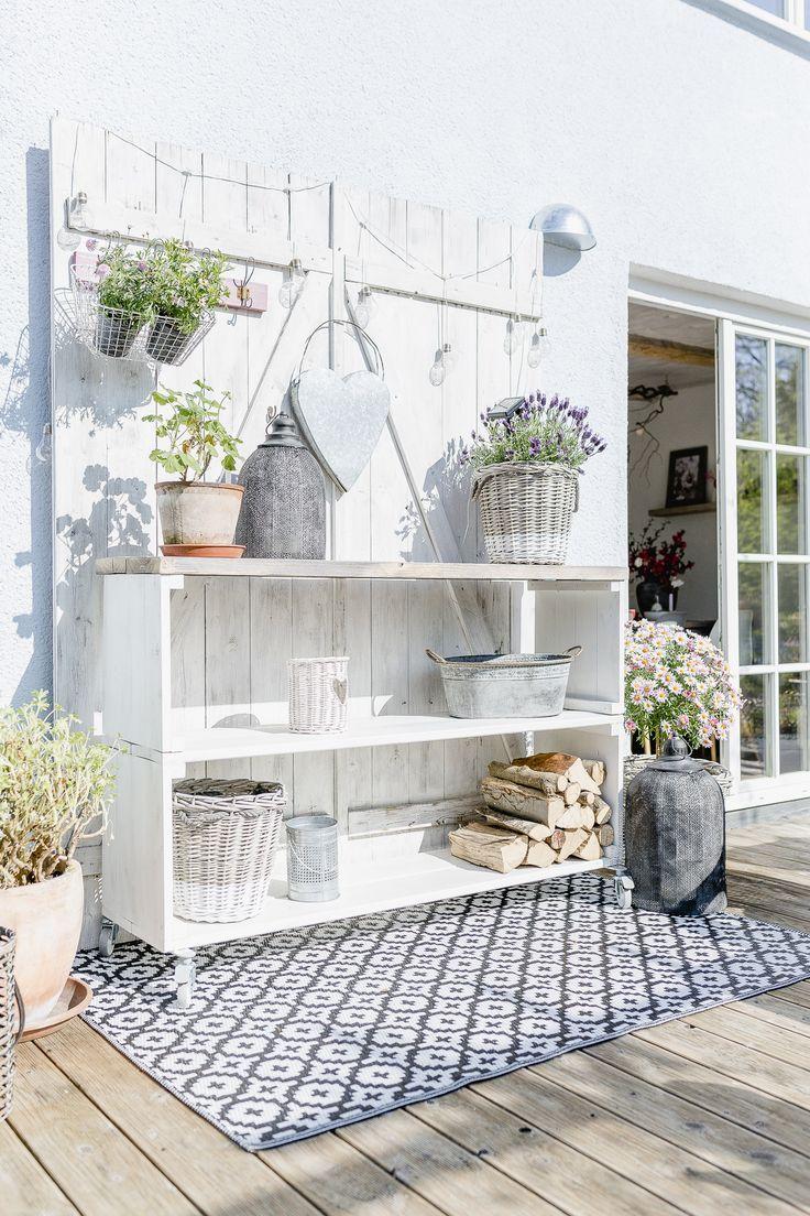 Photo of Terrassenregal DIY oder Karfreitagsblümchen • Pomponetti