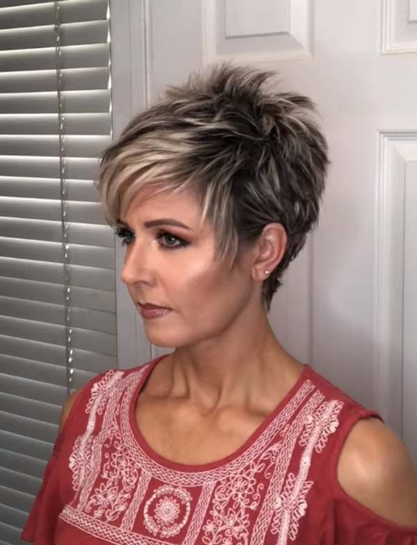 Short Pixie Hairstyles for Women over 40 with Fine