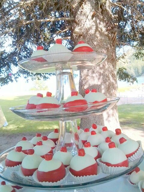 Bobber Cake For Fishing Themed Wedding That S Just Awesome Not Sure