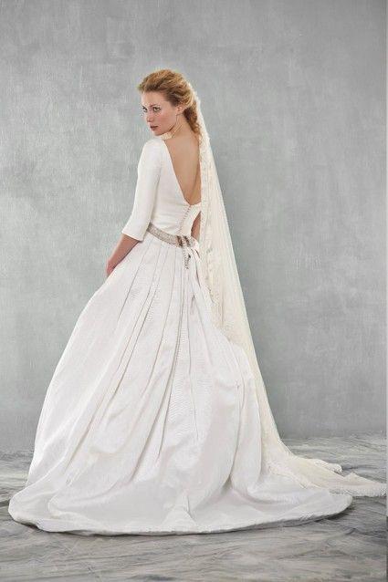 apctitudes vestido de novia diseñado por laura monge, diseñadora de