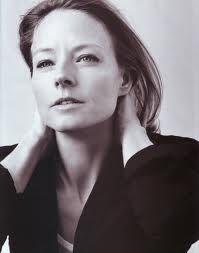 Jodie Foster - Nascimento: 19/11/1962 - País de nascimento: Estados Unidos. Vencedora de (2) Oscar pela Academia, até o ano de 2014. Jodie venceu pelos trabalhos em: (Acusados, 1988) e (O Silêncio dos Inocentes, 1991), além de outras (2) Indicações. Venceu também (2) Globo de Ouros, além de outras (5) Indicações.