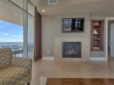 Turquoise Place 1401c is a spacious Orange Beach Condo, complete with a fireplace and a wet bar! It has all the things. I'm loving the open spaces!