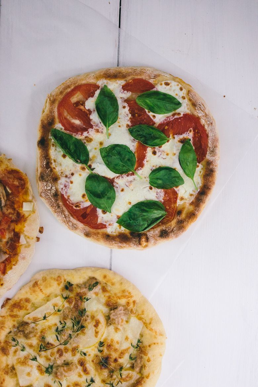 skillet pizza   wit & delight