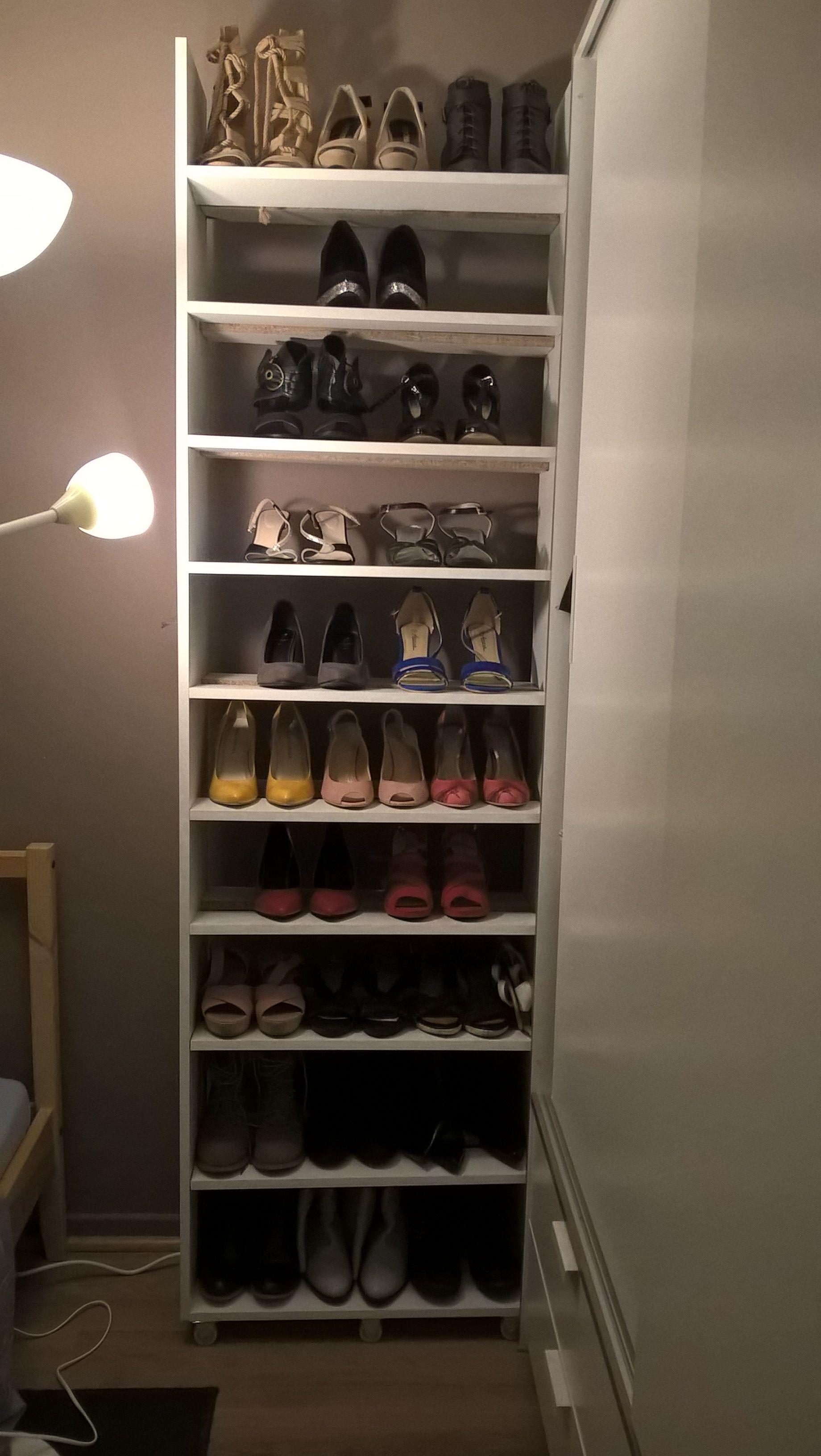 Diy Meuble Chaussures Sur Roulettes Fait Par Mon Cheri Shoes Rangement Diy Faitmaison Diy Meuble Chaussures Rangement Rangement Chaussures