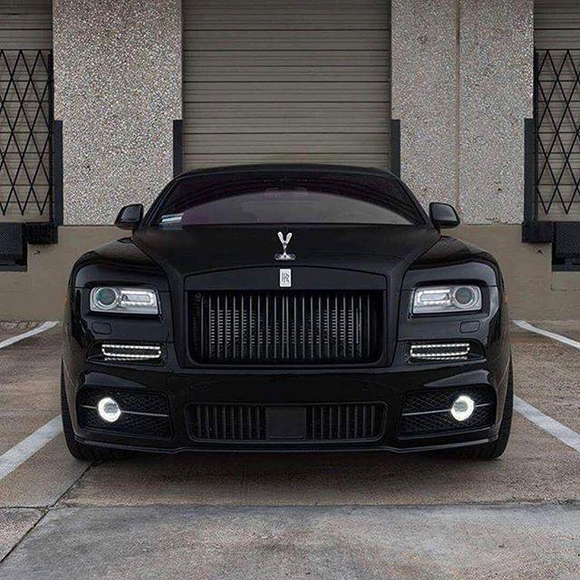rolls royce wraith mattschwarz autos autos. Black Bedroom Furniture Sets. Home Design Ideas
