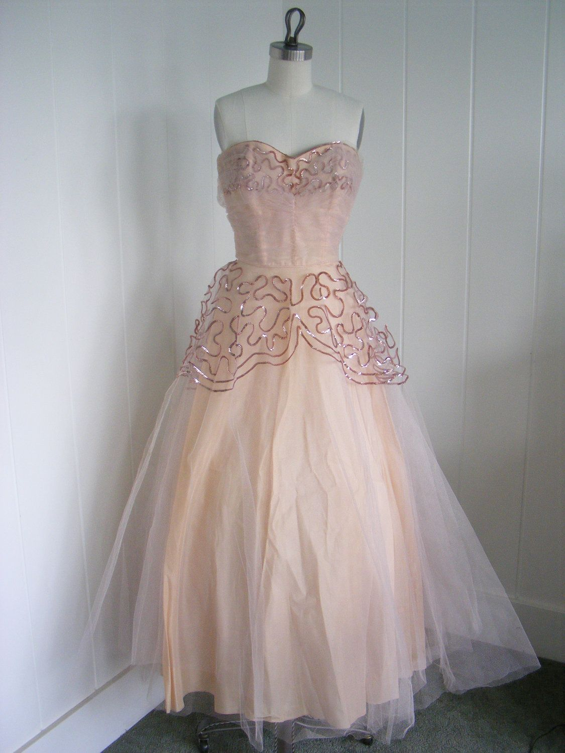1940 S 1950 S Vintage Tulle Pink Prom Dress Shelf Bust With Sequin Design Throughout Pink Prom Dress Pink Prom Dresses [ 1500 x 1125 Pixel ]