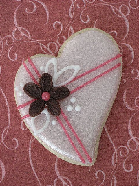 Luster Heart with Chocolate Flower