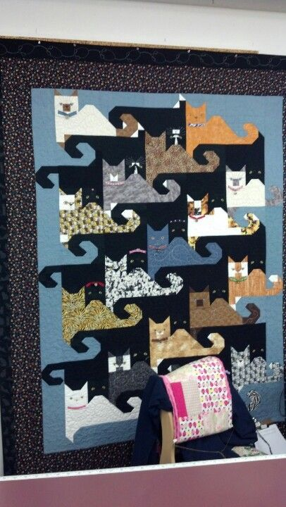Another tessellating cat quilt - love the little kitty faces ... : tessellation cat quilt pattern - Adamdwight.com