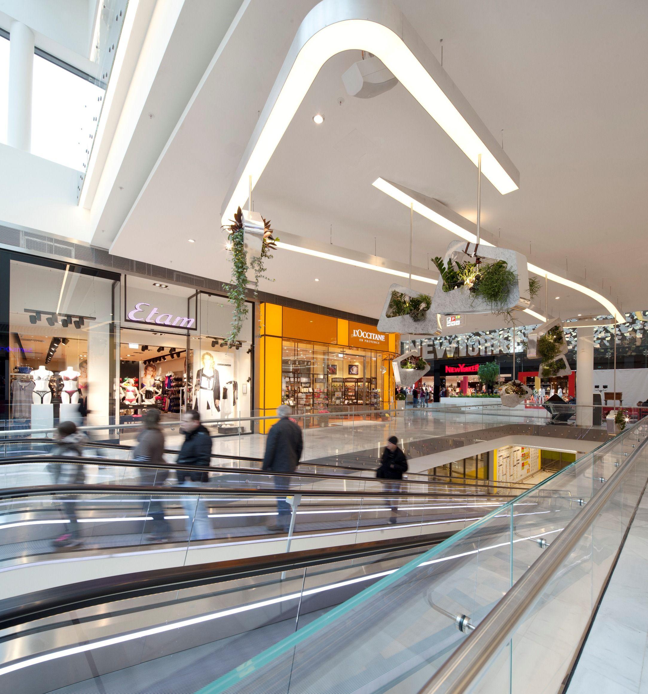 retail mall lighting stuff we love retail malls mall mall design shoping mall. Black Bedroom Furniture Sets. Home Design Ideas