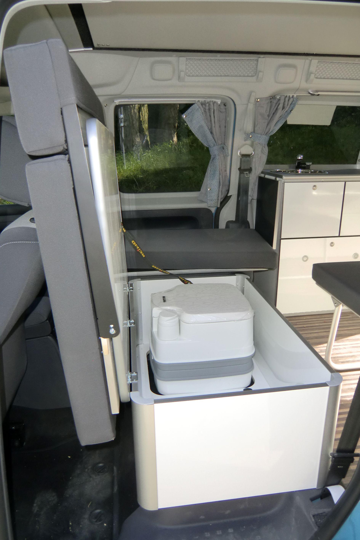 storage box for minicamper caddy maxi camp of reimo. Black Bedroom Furniture Sets. Home Design Ideas