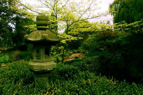Pin by Allison Pruiett on Garden | Garden design, Japanese ...