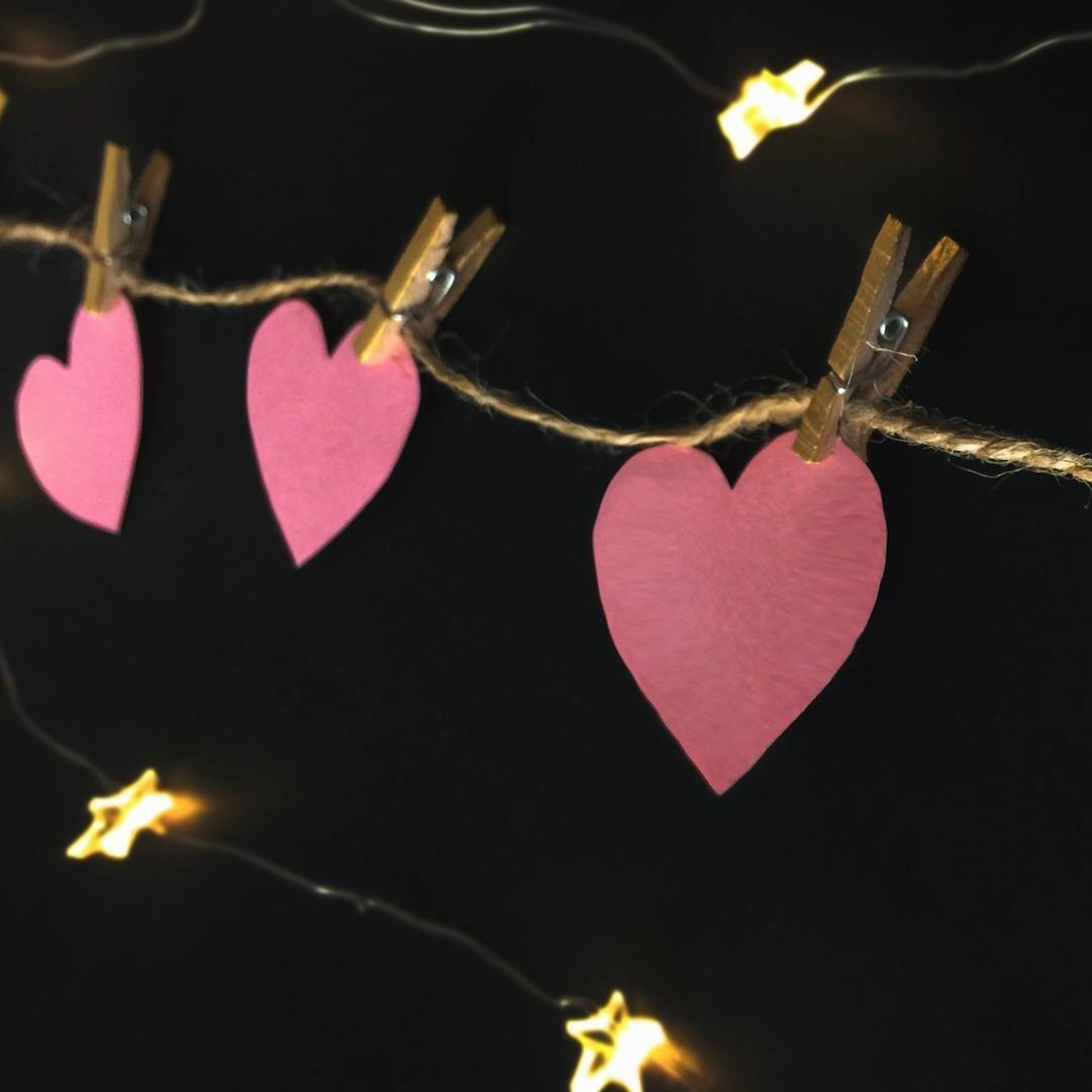 Easy and Wonderful Heart Room Decor Ideas - Mandallı Kalpli Kolay Oda Dekoru  #diy #video #bestoutofwaste #diyroomdecor #recycle #cdart #cdpainting #cdrecycle #cdrecycleideas #cdcrafts #youtube #recycle #roomdecor #homedecor #ledlights #heartgarland #garland #heartdecor #wallhanging #odadekoru #kalpdekor