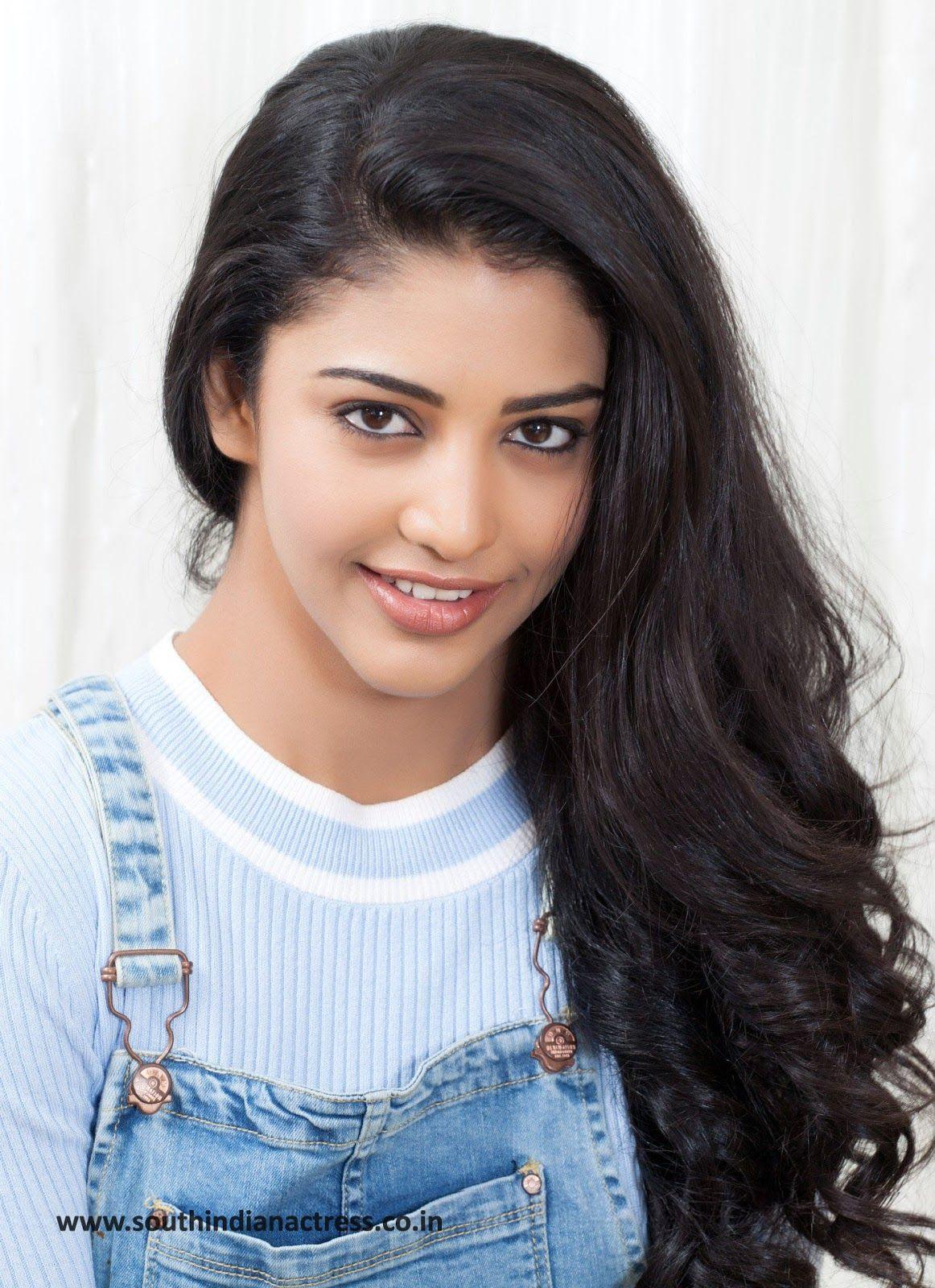 pics Sriti Jha