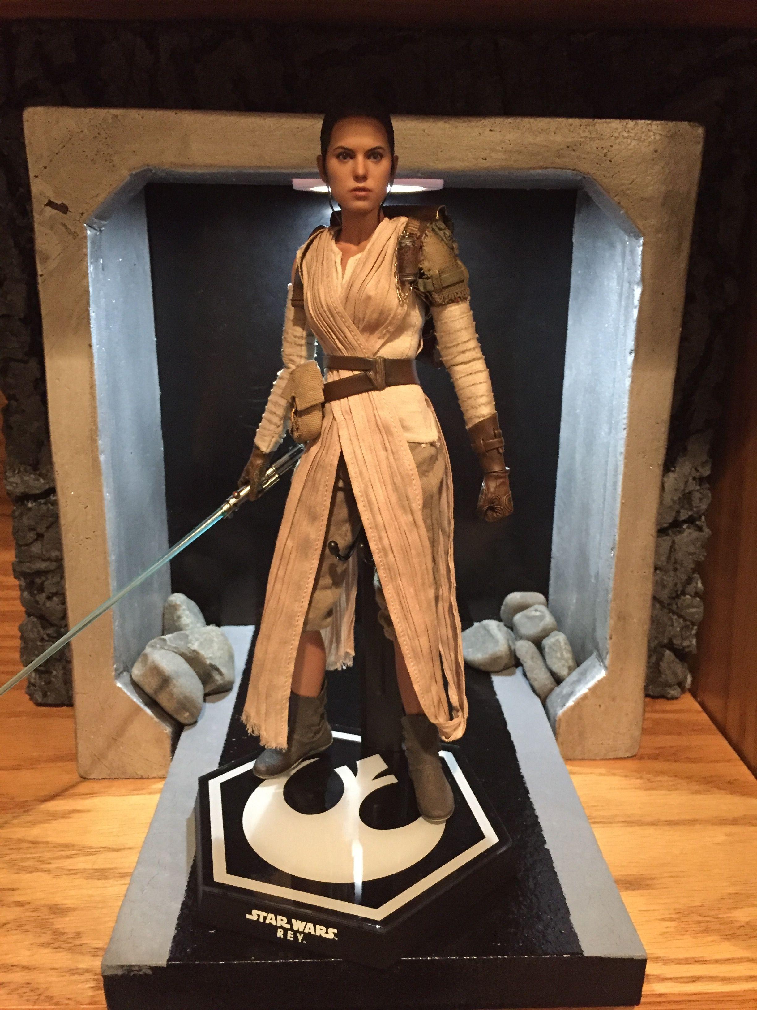Hot Toys Rey Force Awakens Diorama Display Sideshow Collectibles