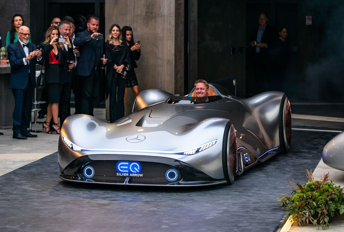 The Retro Chic Mercedes Benz Silver Arrow Concept Is Packed With 738 Electric Horses Mercedes Benz Car Racing Car Design