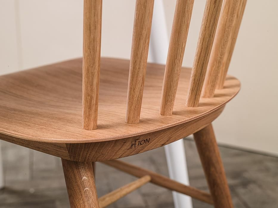 Stuhl Ironica Ton A S Von Menschen Gefertigte Stuhle Stuhle Ton Stuhle Barhocker