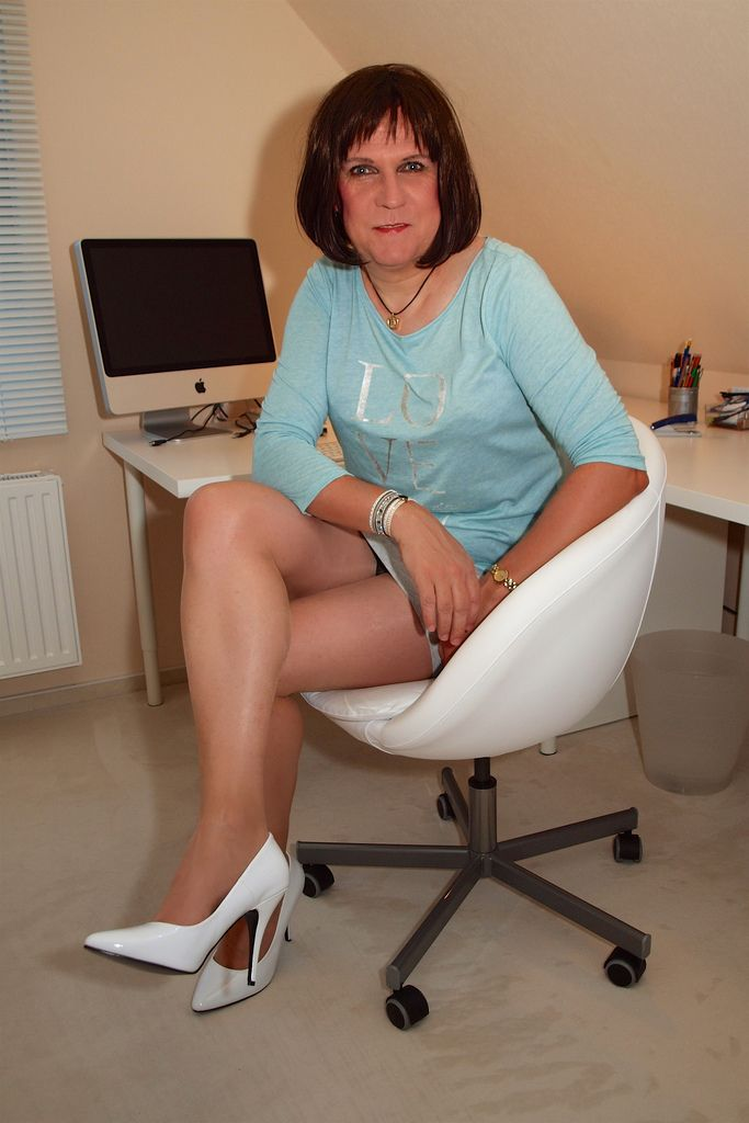 rudyard milf women Oma - granny forum meetingplace for friends of moms, grannies, matures and aunts best ressources of mature women links.