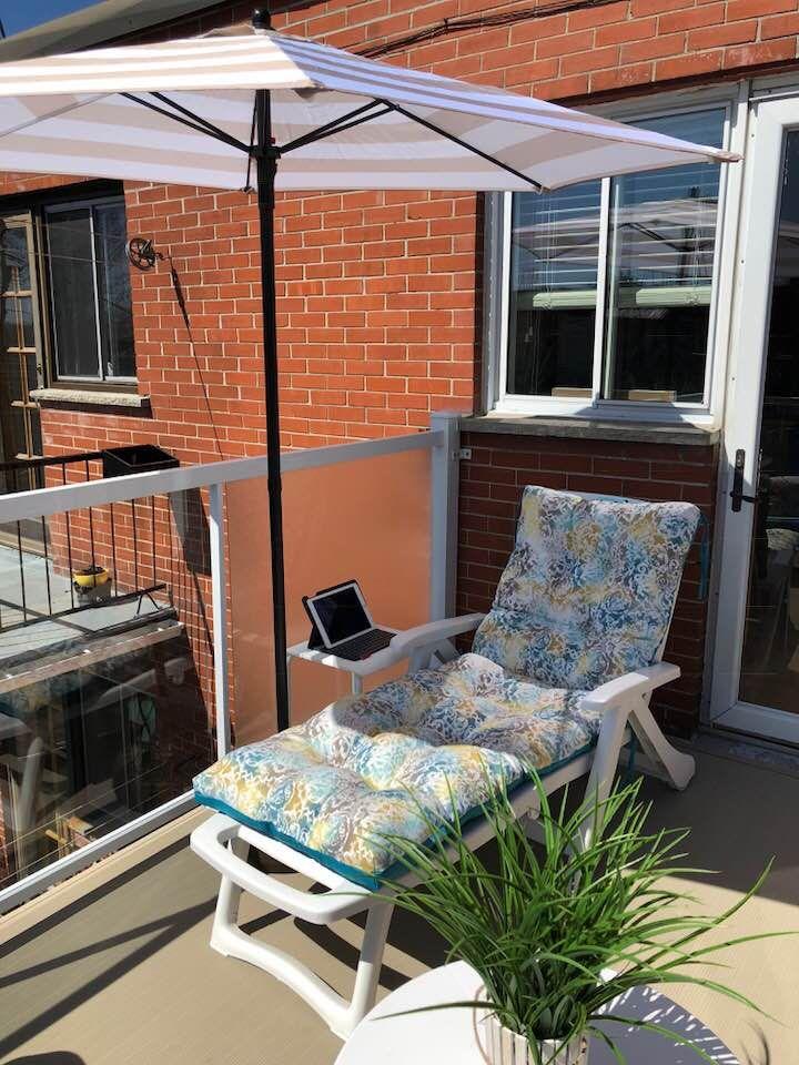 coussin dehors My outdoor office! / Mon bureau dehors! Chaise longue & coussin de  coussin dehors