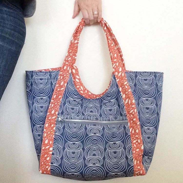 p>When I made my first Poolside Tote from the pattern by Anna Graham ...