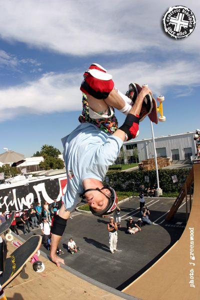 tony hawk   Andando de skate, Skates, Skate